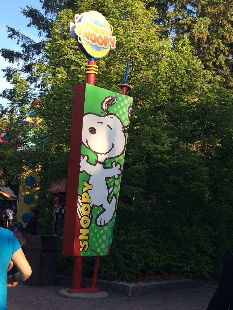 Planet snoopy sign